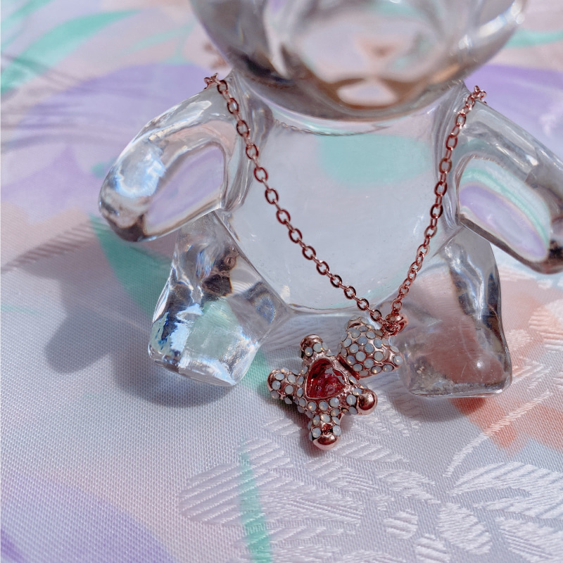 Petit heart bear necklace