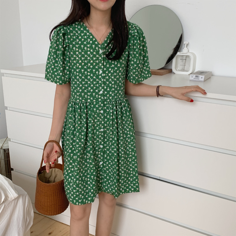 Green daisy puff dress